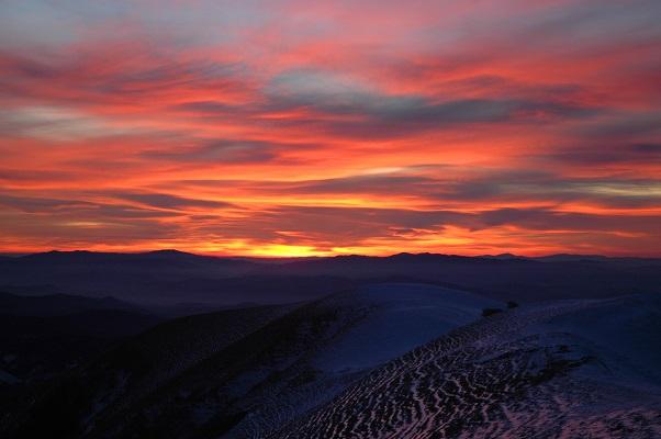 Appennino Umbro-Marchigiano, alba sotto la neve - Copia