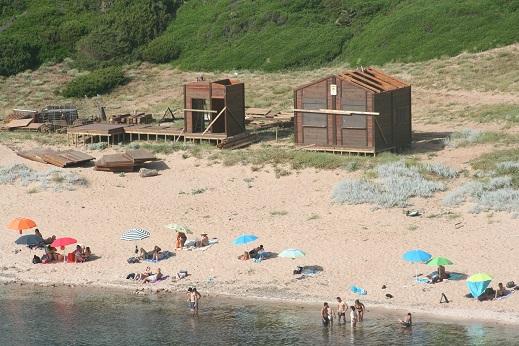 Alghero, Porticciolo, installazione chioschi e servizi balneari (giugno 2018)